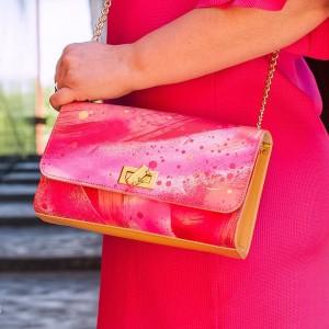 Buenos das!!! Hoy en el blog Moda y arte sehellip
